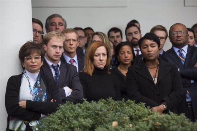 obamas-staffs-facial-expressions-while-obama-was-congratulating-trump