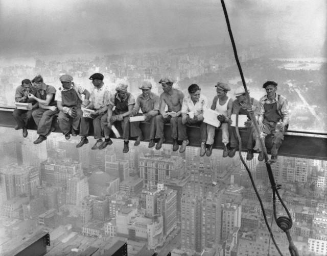 932 'Lunch Atop a Skyscraper' Photo