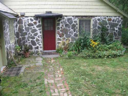 Serenity Stone Cottage entry