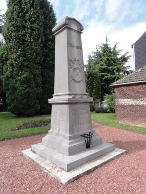Recquignies (59245) monument aux mort (A) à Recuignies