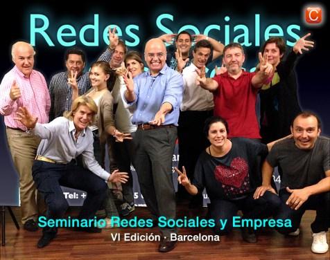 Los asistentes, alegres, de la VI Edición del Seminario Redes Sociales y Empresa de Barcelona.