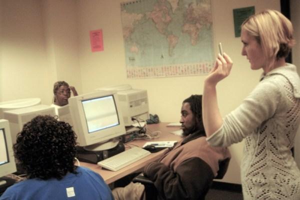 Kami Griffiths teaches computer skills