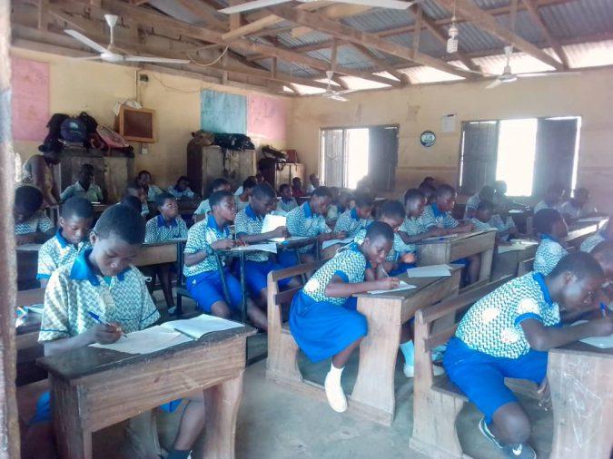 Image of stuffed classroom in Ghana