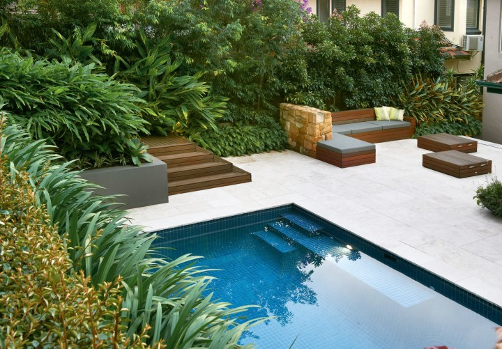 simply stylish: a classic pool and landscape design