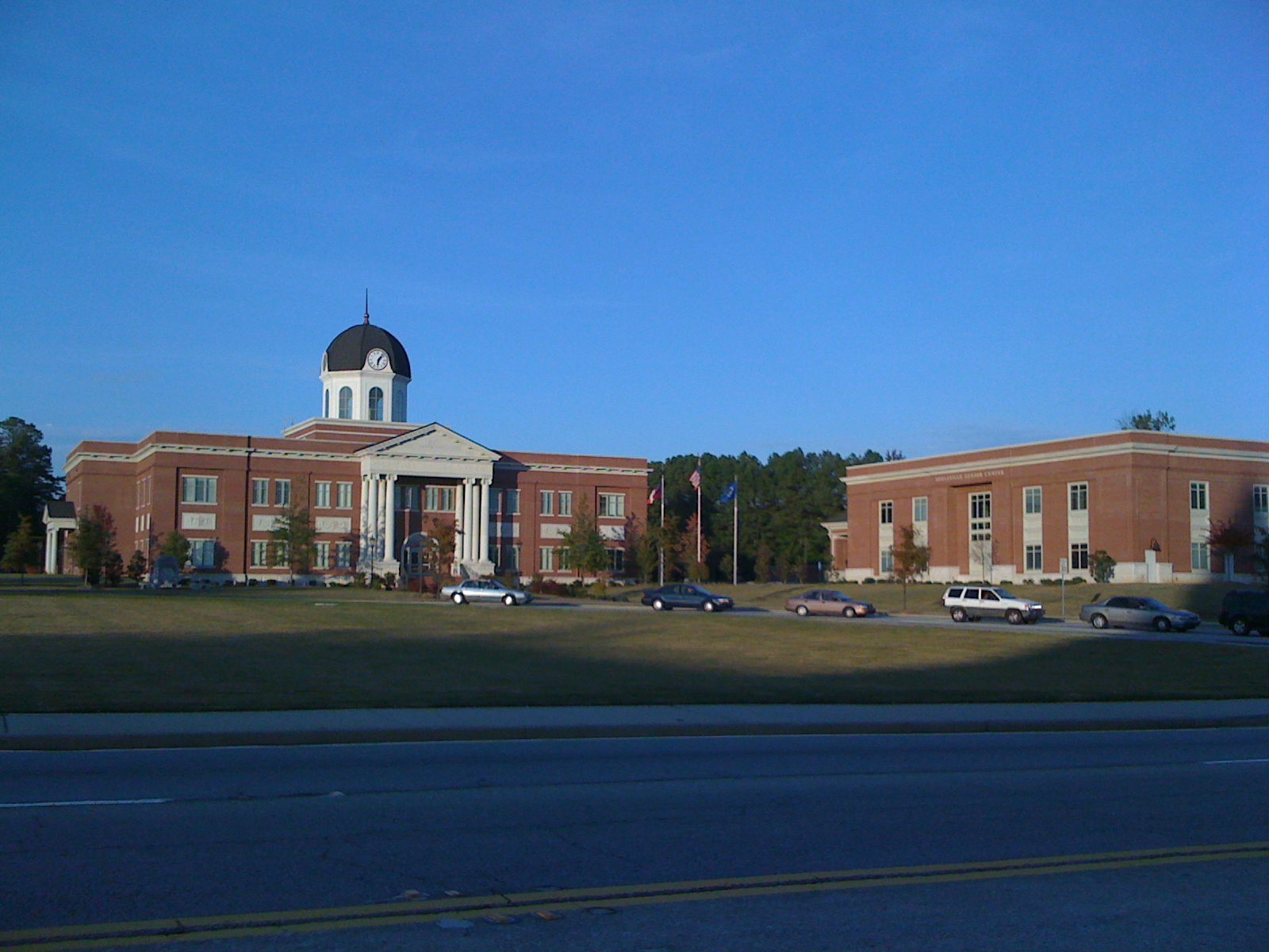Snellville_City_Hall_and_Senior_Center