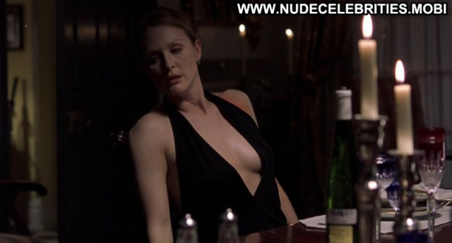 Julianne Moore Celebrity Showing Cleavage Actress Milf Sexy Scene Sexy
