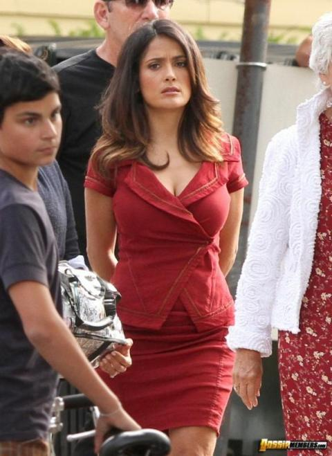 Salma Hayek Paparazzi Softcore Slender Female Beautiful Babe