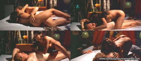 Dira Paes Manga Sex Scene Bus Bed Gorgeous Posing Hot Female