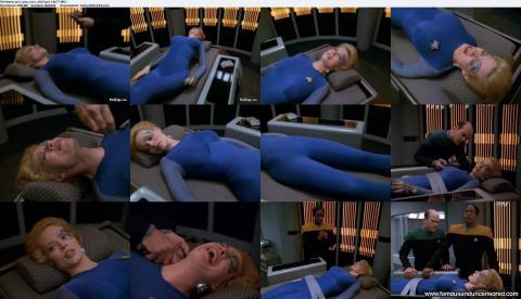 Jeri Ryan Star Trek Voyager Medical Table Posing Hot Actress