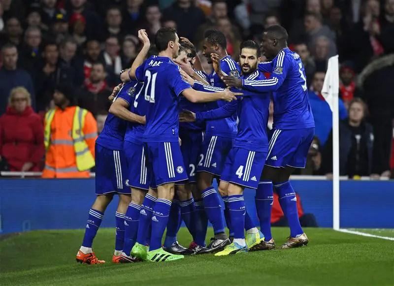 Mikel Solid, Mertesacker Sent Off As Chelsea Stop Arsenal