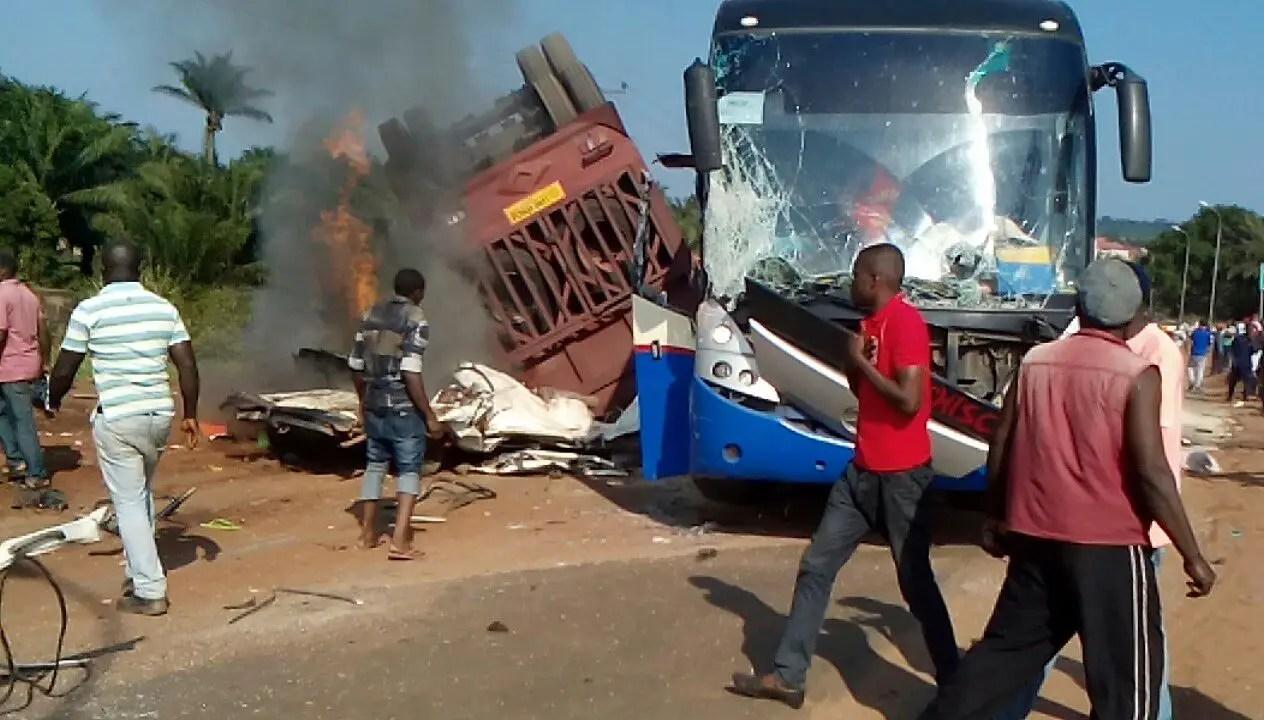 BREAKING: Ikorodu United  Bus  Involved  In  Accident