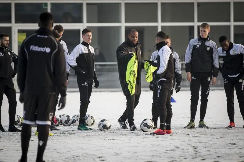Oliseh Assumes Work At Fortuna, Starts Relegation Fight
