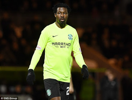 Ambrose Set To Sign Short-Term Deal With Hibs