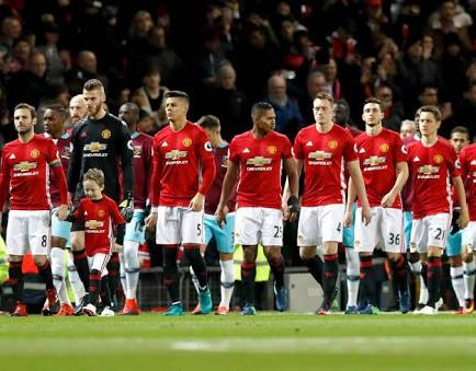 Man United Players To Wear Black Armbands In Tribute To Dead Calabar Fans