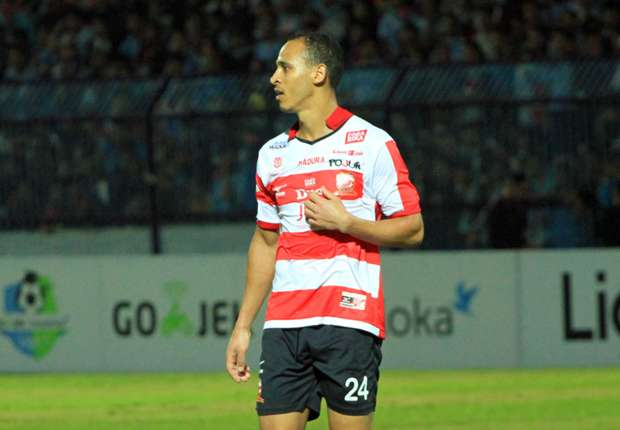 Madura United Negotiate Contract Extension With Impressive Odemwingie