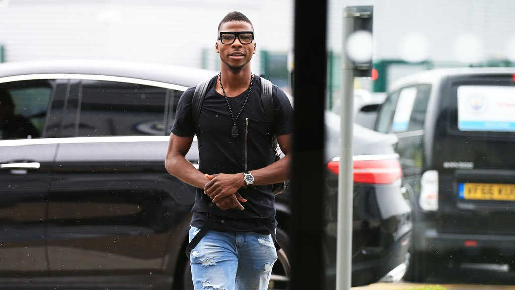 """Shakespeare """"Frustrated"""" Over Delay In Iheanacho's Leicester Arrival"""