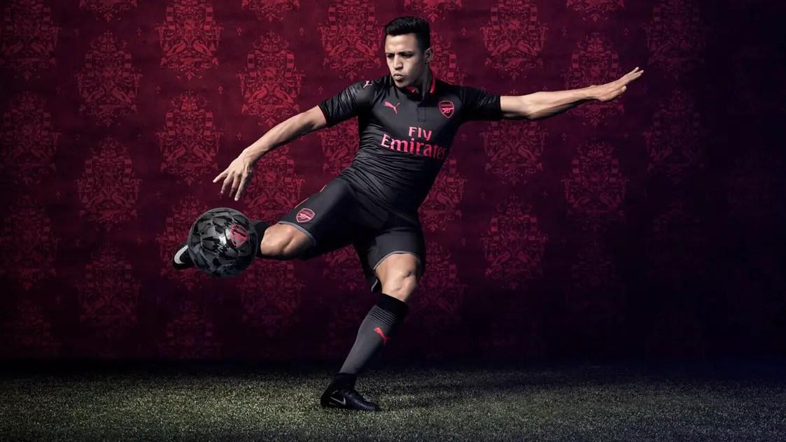 Sanchez Models Arsenal's New Jersey As Mertesacker, Ozil Hope Chilean Stays