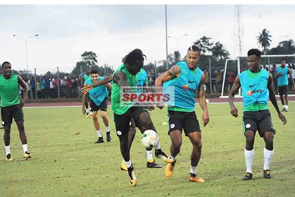 Pinnick: Super Eagles Must Be Ruthless Vs Zambia
