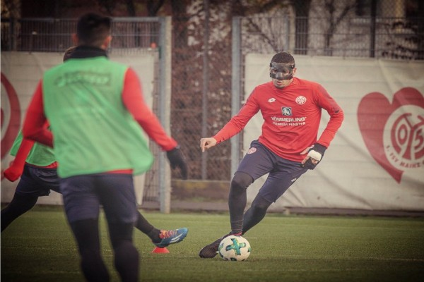 Masked Balogun Back In Mainz Training After Surgery