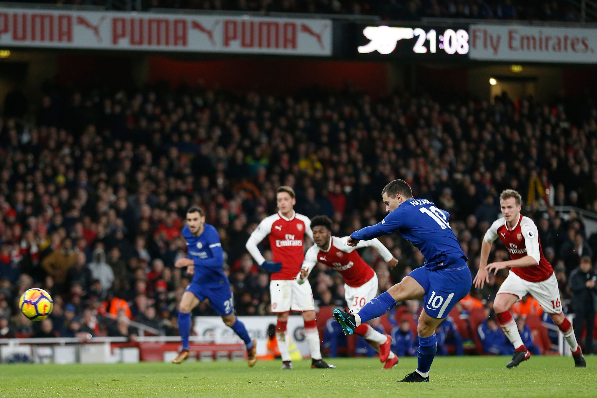 Moses Struggles, Iwobi Benched As Arsenal Hold Chelsea In Emirates Thriller