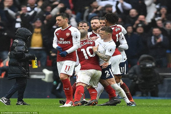 Iwobi To Arsenal Fans: We Know How You Feel After Spurs Defeat