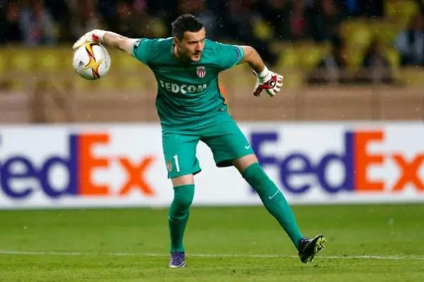 Croatia Goalkeeper Subasic Injured In Monaco, Lyon Clash