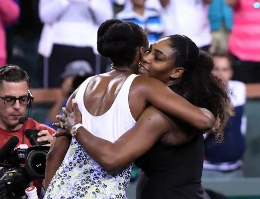 Venus Stops New Mum Serena At BNP Paribas Open