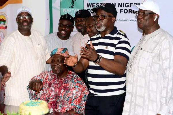Enyeama, NFF Celebrate Onigbinde At 80, Keeper Grateful For Super Eagles Opportunity