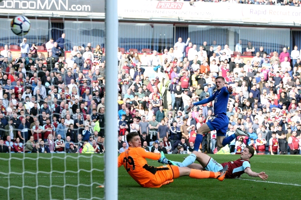 Iheanacho Can't Save 'Ndidi-less' Leicester As Palace, Huddersfield Win