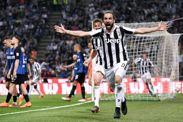 Higuain Hits Dramatic Winner As Juventus Outscore 10-Man Inter