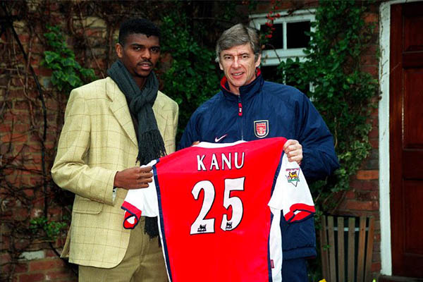 "Arsenal Greats Kanu, Van Persie Give Accolade To ""Gentleman"", ""Father"" Wenger"