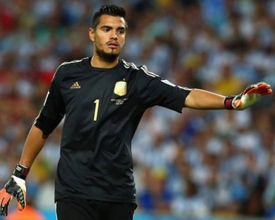Knee Injury Knocks Romero Out Of Argentina's World Cup Squad