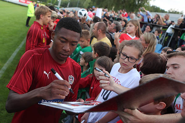 Austria Stars Alaba, Arnautovic Visit Super Eagles; Wish Nigeria World Cup Success