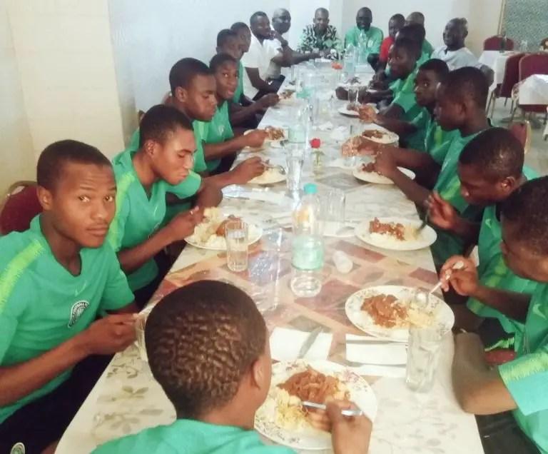 AFCON U-17Q: Fresh Fulfiĺls N1m Promise To Eaglets; Pledges N2m For Title Win