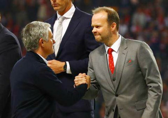 Mourinho Set For Woodward Talks