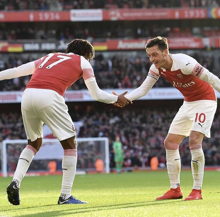 Emery Defends Ozil Half-Time Substitution For Iwobi In Arsenal's Draw Vs Brighton