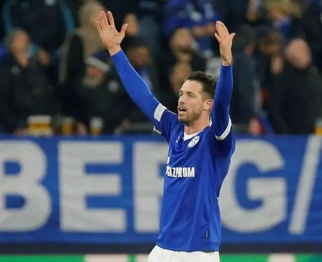 Schalke Boss Set To Drop Uth Deeper