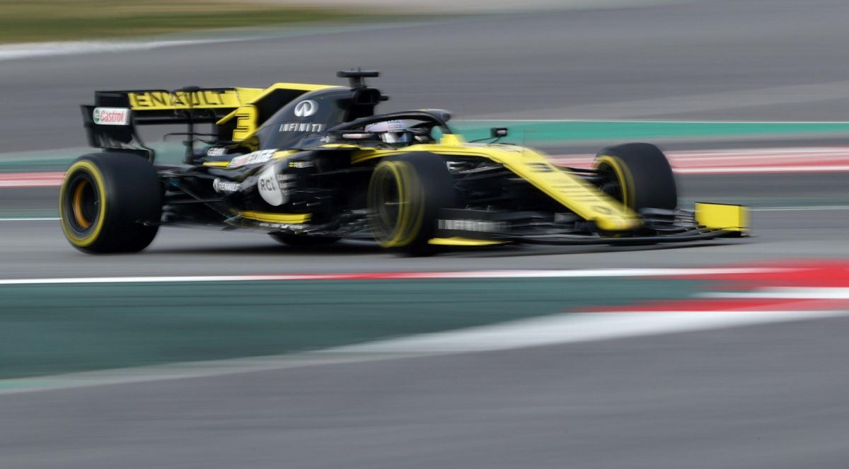 Rear Wing Probed By Renault After Ricciardo Runs Off In Testing