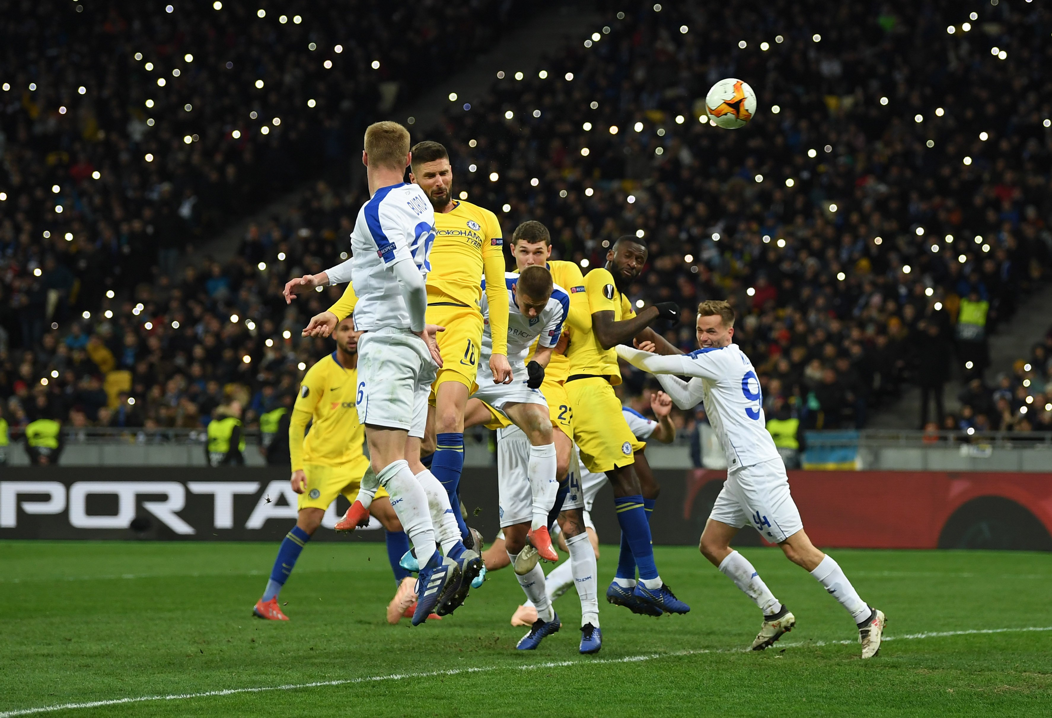 Europa League: Giroud Hat-Trick Fires Chelsea Past Kiev; Napoli, Valencia Also Qualify For Q-Finals