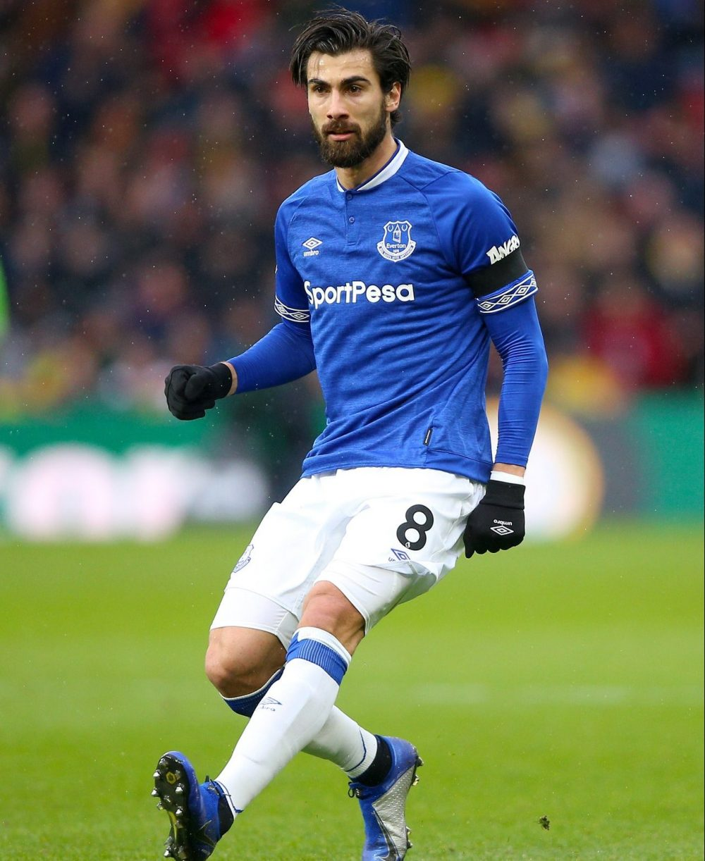 Everton Complete Gomes Deal