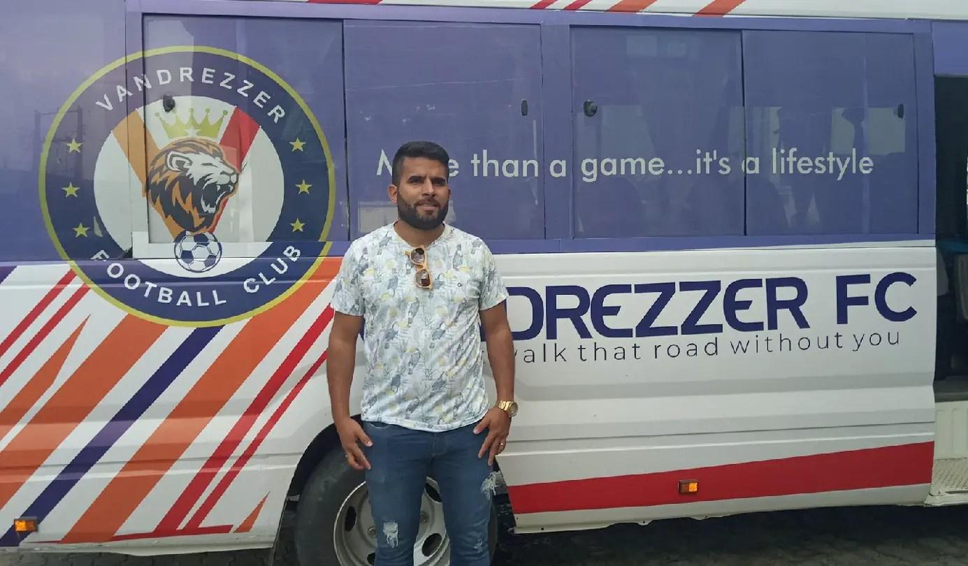 Everton Arrives Uyo, to be Unveiled As Vandrezzer Coach Sunday