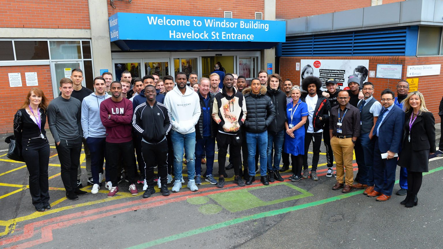 Ndidi,Iheanacho visits Leicester Hospital For Christmas
