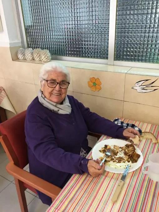 Fabregas' 95-Year-Old Great-Grandmother Beats Coronavirus