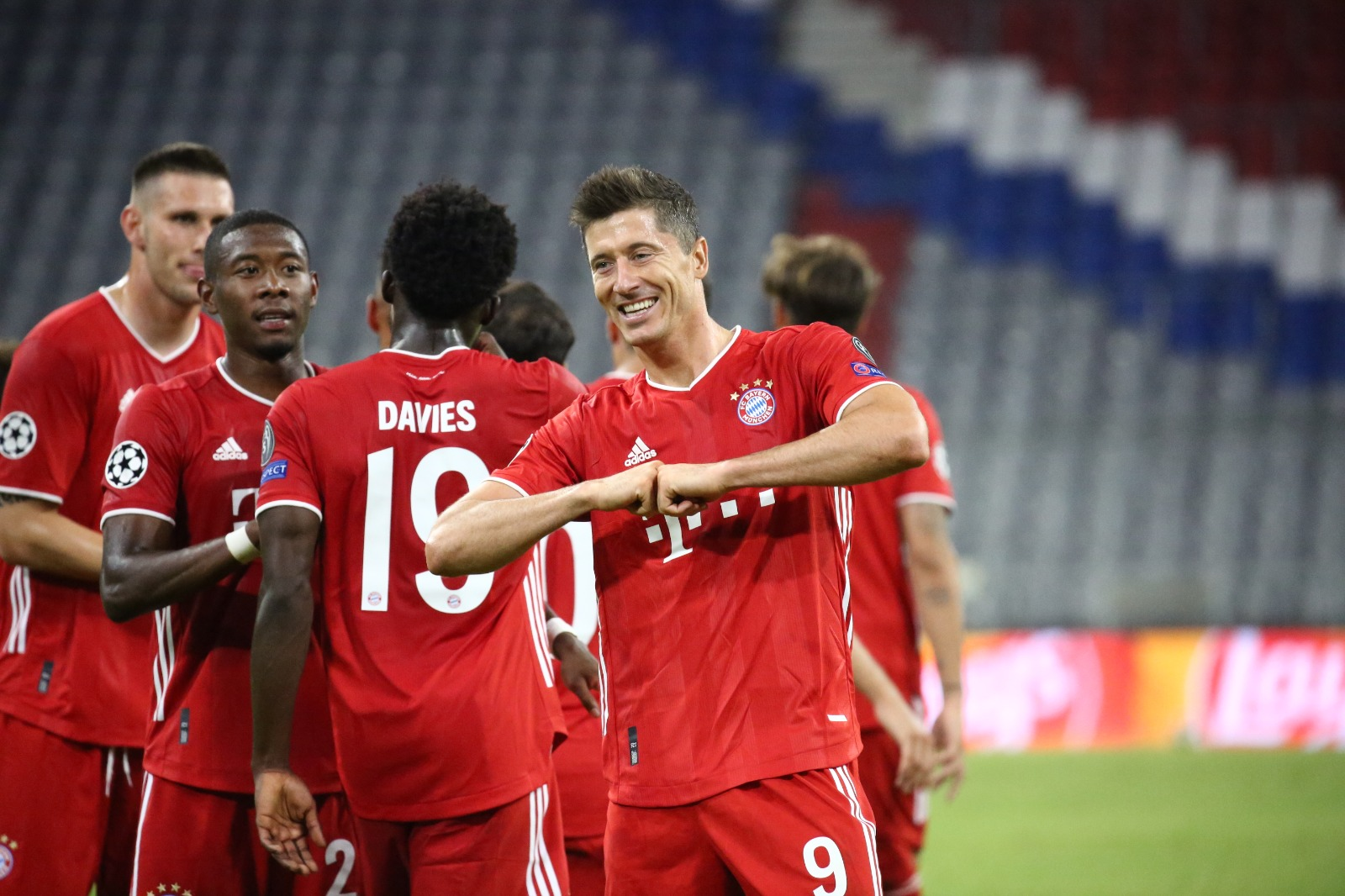 Lewandowski: 'Ronaldo's Champions League Goal Record Not My Target'