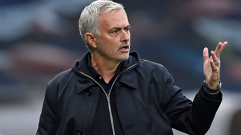 Carragher: Mourinho Is Finished In Premier League