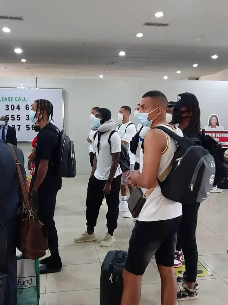 Benin Fans Cheer As Musa, Aribo, Iwobi, Osigwe, Others Storm Eagles' Hotel