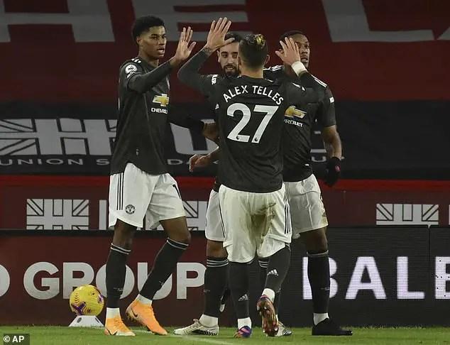 Scholes, Owen Back Man United To Win Premier League This season
