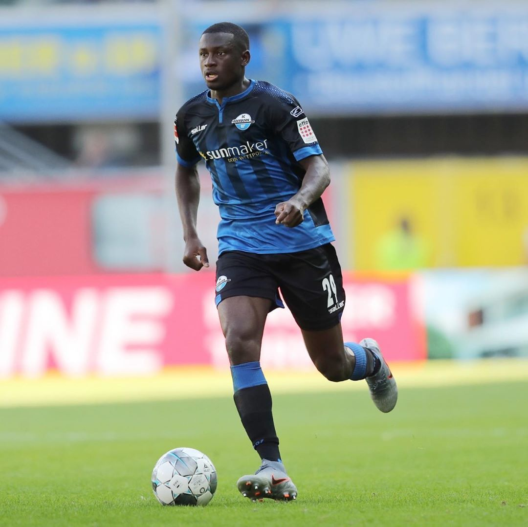 Jamilu Collins Extends Contract With SC Paderborn
