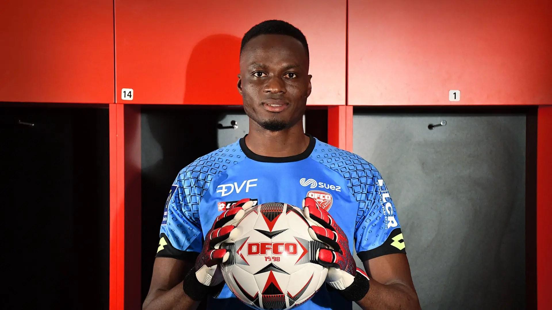 Benin Republic Goalie Allagbe:  Super Eagles Must  Be Ready For War