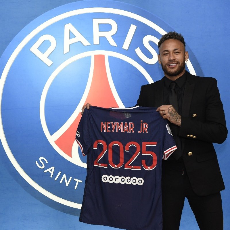 OFFICIAL: Neymar Signs  Contract Extension With PSG Until 2025